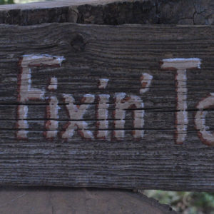 barnwood sign fixin to