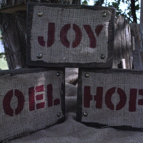 Two Oaks Farmstead Wood Block and Burlap SIgns, Christmas